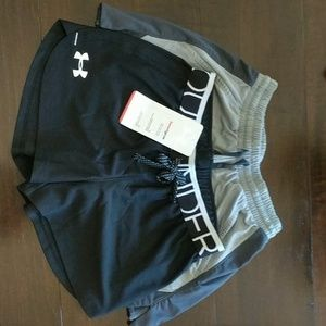 Girls lot of four size YSM Under Armour shorts
